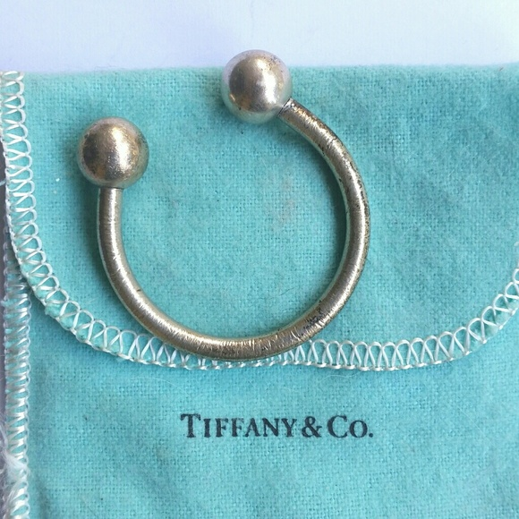 dd0dab66f Tiffany & Co. Large Horseshoe Keyring. M_594eb0977fab3a5a5200faa5. Other  Accessories ...