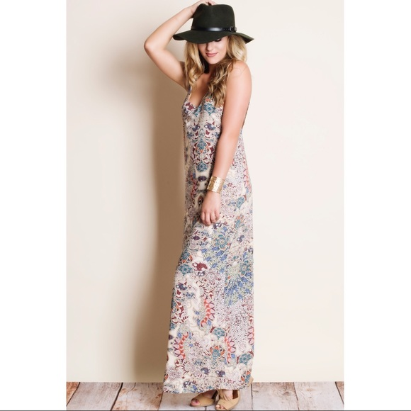 Bellanblue Dresses - DAPHNE Print Open back Maxi Dress -CREAM