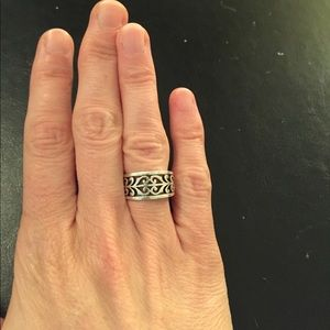 James Avery Jewelry - Sz. 5 James Avery Adoree Ring