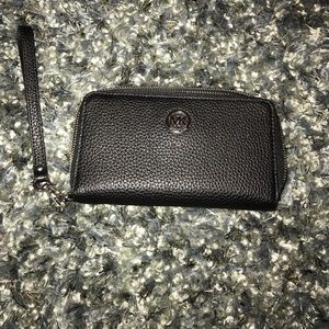 Michael Kors Handbags - Michael kors wristlet\wallet