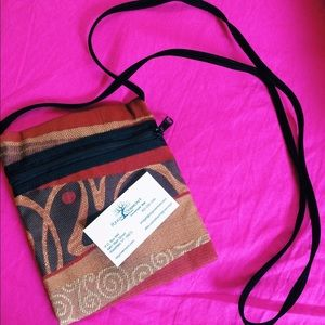 Handbags - NWT hand crafted purse with authenticity card