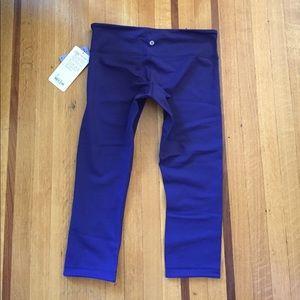 lululemon athletica Pants - NWT💕Lululemon Reversible Wunder Crop Emperor Blue