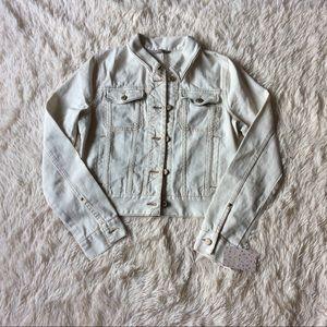 Free People Jackets & Blazers - Free People Kiel Wash Fitted Trucker Jean Jacket