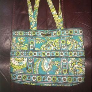 CLOSET CLEAROUT Vera Bradley handbag 