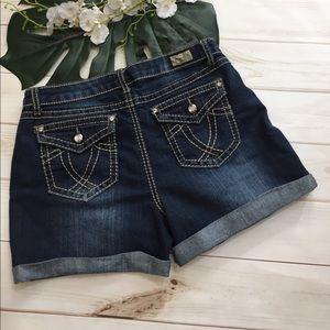 Earl Jeans Pants - 💕Earl Jean stretchy cuffed Jean shorts
