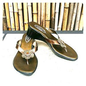 Callisto Shoes - CALLISTO Bronze Sandal with Flowers EUC!