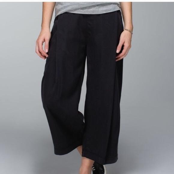 5703c06ed lululemon athletica Pants - Lululemon Wide Leg Pleated Gaucho Crops