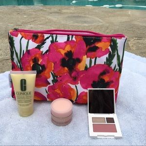 Clinique Handbags - Clinique Cosmetic Makeup Bag Shadow Duo Blush