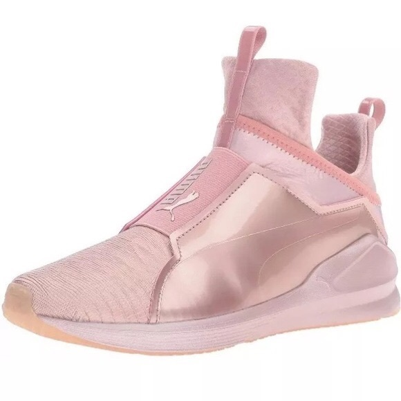 25 off puma shoes rose gold kylie jenner puma sneakers from bianca 39 s closet on poshmark. Black Bedroom Furniture Sets. Home Design Ideas