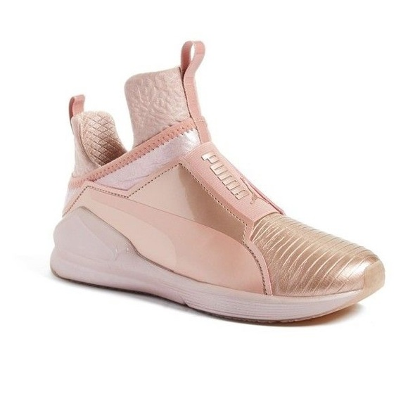 Kylie Chaussures Puma Jenner Noir Et Or lytbsDc1p