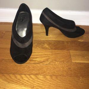 FIONI Clothing Shoes - Fioni Black with gray suede-like peep toe heels
