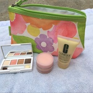 Clinique Handbags - Clinique Cosmetic Makeup Bag Eye Shadow Quad