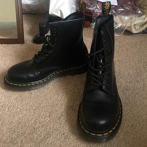 Dr. Martens Shoes - Dr.Martens