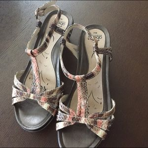 Abeo Shoes - Abeo Sandals NWOT