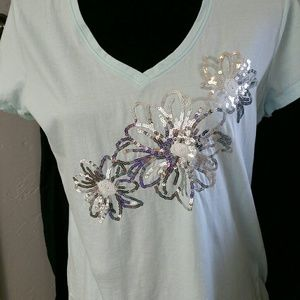 Izod Tops - Izod tshirt. Beautiful Flower sequins. Mint green.
