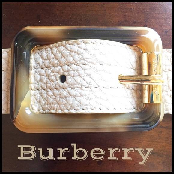 5304e5be5a0 Burberry Accessories - Burberry Leather Belt with Tortoise Shell Buckle!