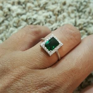 Jewelry - Stunning .925 Sterling Silver Ring