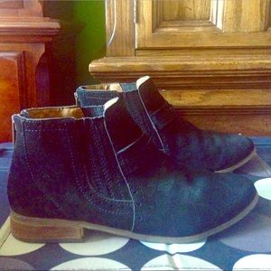 """DV by Dolce Vita Shoes - DV Dolce Vita """"Charley"""" Black Suede BOOTS EUC 8.5"""