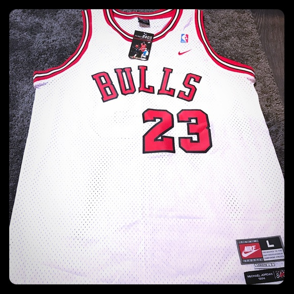 the latest a91be 76618 New w/tags Nike Jordan Chicago Bulls Jersey 8403 NWT