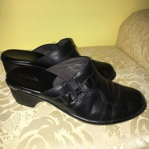Women's Clark's Leather Clogs Size 8