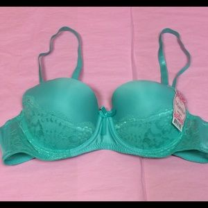 Other - Underwire Bra Lace Detail Mint NWT