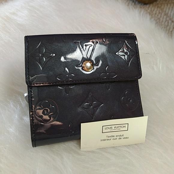 ff40d4395f94 Louis Vuitton Handbags - Louis Vuitton Elise Trifold Wallet