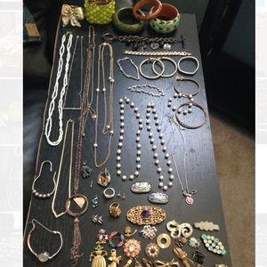Jewelry - Vintage costume jewelry lot