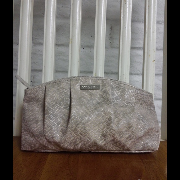 Giorgio Armani Handbags - Giorgio Armani Parfums Makeup Cosmetics Pouch d59126fe77