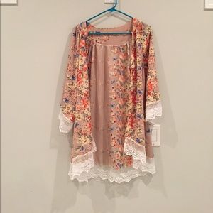 Jackets & Blazers - Pretty floral kimono