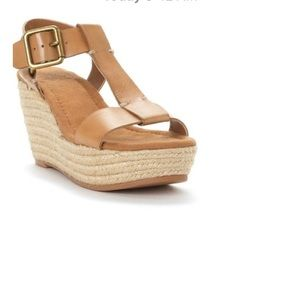 Lucky nude leather wedges 7.5