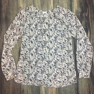 Women's Cabi Blouse Size XS long sleeves white
