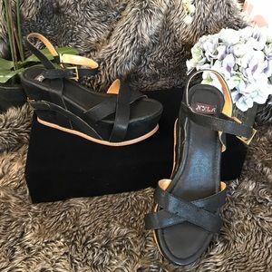 N.Y.L.A. Shoes - NWOB N.Y.L.A Leather Platform Strappy Sandals 10m