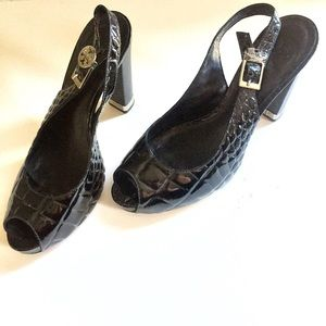 81ab0cee1c13 Tory Burch Shoes - Tory Burch Black Croc Slingbacks Heels Allison 8M