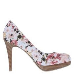 Christian Siriano Shoes - Christian Siriano Floral Pumps