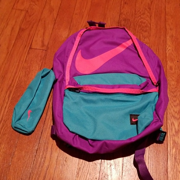 bfc1c725c3be Bright Nike Backpack with Detachable Pencil Case. M 594f4b3956b2d678cb030d10