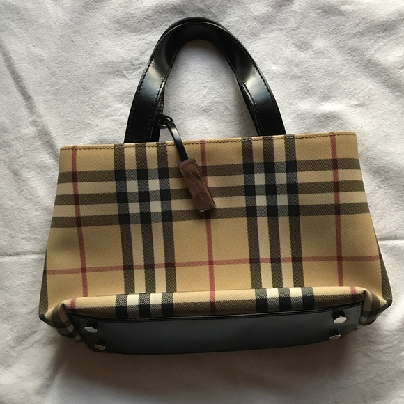543f0a4b25 Burberry Handbags - Vintage Burberry Nova Check Small Tote