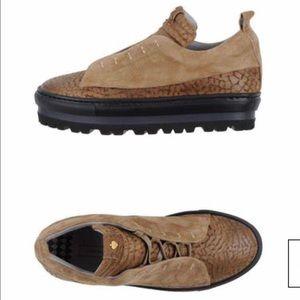 Lara Hampton leather sneakers shoes