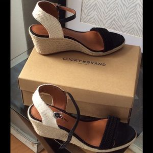 👠✅💃NEW! Lucky  Brand Open Toes Open Back Sandals