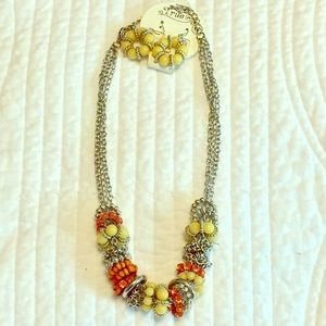 Jewelry - NWT Chunky Summer Statement Necklace