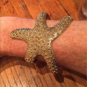 bauble bar Jewelry - Starfish gold cuff - looks like Lilly Pulitzer