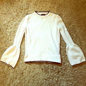 Who What Wear Tops - 🚨FLASH SALE 🚨White Bell Sleeve Top Size XS