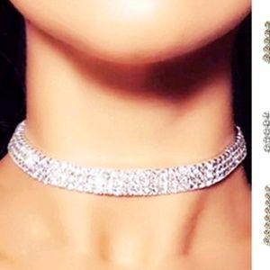 Jewelry - Beautiful Blue Rhinestone Choker