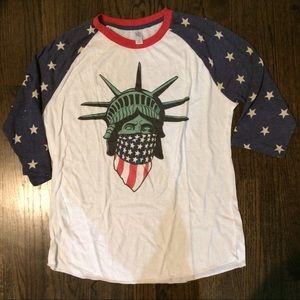 Statue of Liberty raglan size XL