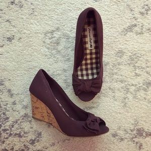 Chocolate brown bow open-toe cork wedges