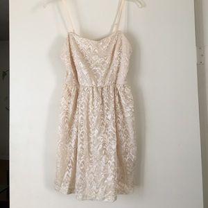 Cream Lace Dress M