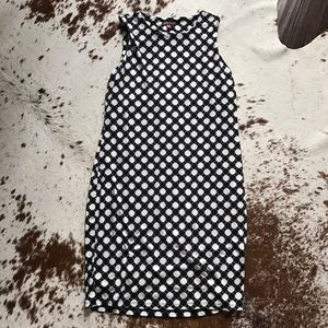 Vince Camuto Dresses & Skirts - Vince Camuto polkadot pattern shift dress L