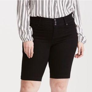 torrid Pants - 🖤Host Pick🖤 Torrid Bermuda Jegging Shorts Sz 16