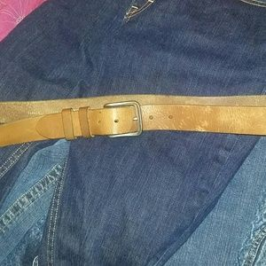 Fossil Other - Fossil light brown leather belt men's 42