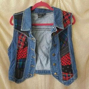 Vintage denim vest plaid paisley red black patch M