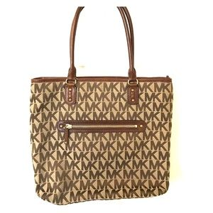  FLASH SALE Beautiful Michael Kors bag